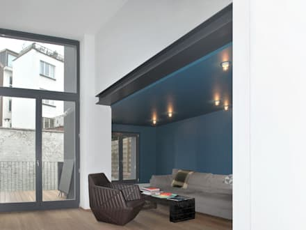 rénovation maison RR: Salon de style de style Minimaliste par planomatic
