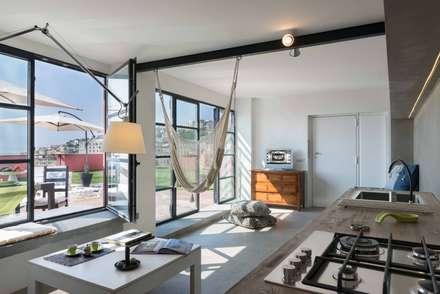 Terrazas de estilo  por architetto Lorella Casola