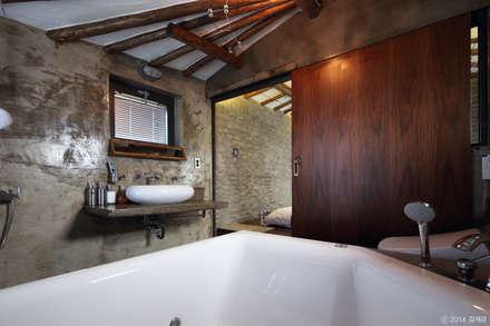 rustic Bathroom by Z_Lab