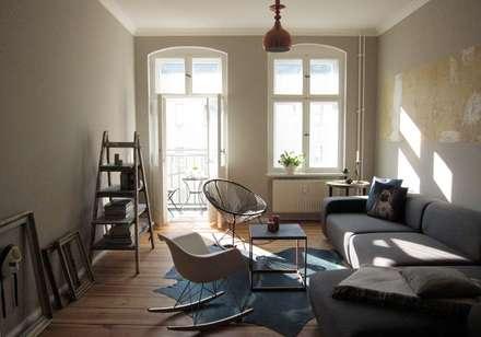 Living Room: Moderne Wohnzimmer Von Julia Kosina Interior Design U0026  Innenarchitektur