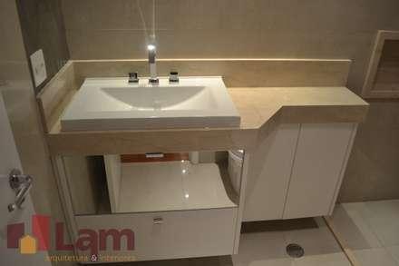 Banheiro - Final: Banheiros modernos por LAM Arquitetura | Interiores