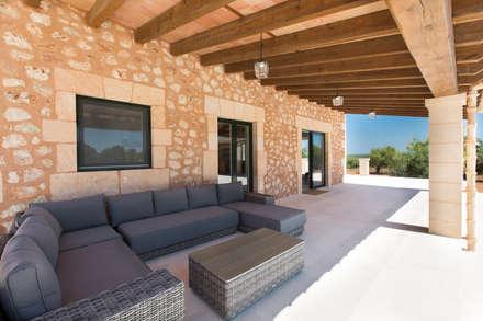 Villa CP Campos: Terrazas de estilo  de ISLABAU constructora