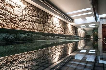 Gimnasios domésticos de estilo  por Arpadór,  Arquitectos e Associados, lda