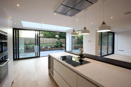 窗戶與門 by IQ Glass UK