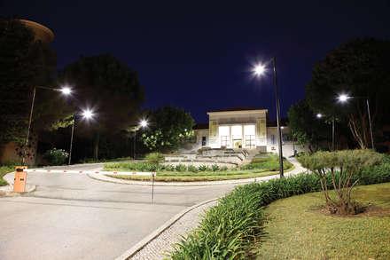 Faculdade de Motricidade Humana – Rigor técnico até na luz: Ginásios clássicos por Aura Light