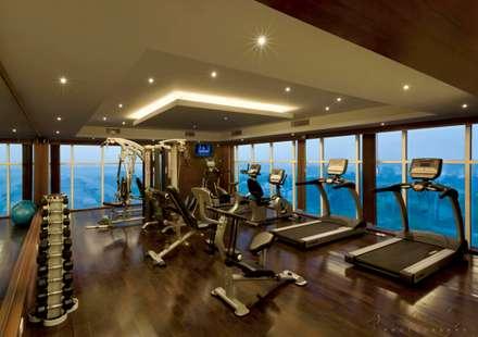 modern Gym by Prabu Shankar Photography