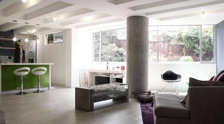 APARTAMENTO NUEVA GRANADA: Salas de estilo ecléctico por santiago dussan architecture & Interior design