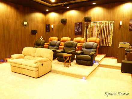 Private Home Theater: classic Media room by Space Sense