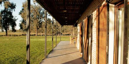 Casa CL: Casas de estilo rural por BAM! arquitectura