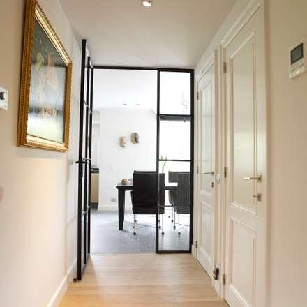 flur diele treppenhaus im landhausstil homify homify. Black Bedroom Furniture Sets. Home Design Ideas