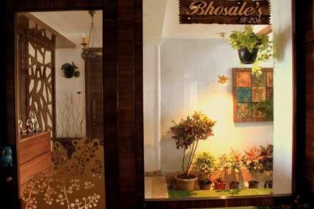 Seaview Apartment at Palm Beach Residency at Navi Mumbai: modern Windows & doors by Shweta Deshmukh & Associates