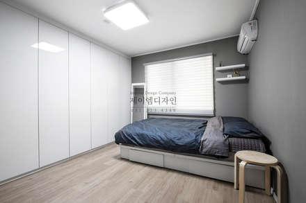 영통 매탄동 동남아파트 22평인테리어: JMdesign 의  침실