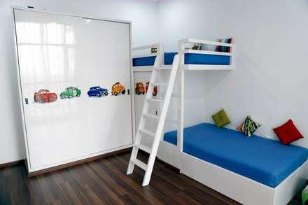 Mr.Reddy Residence: modern Nursery/kid's room by Uber space