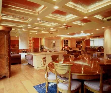 Departamento Campos Eliseo: Comedores de estilo clásico por Diseño Integral En Madera S.A de C.V.