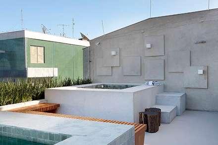 Spa de estilo moderno por Carmen Mouro - Arquitetura de Exteriores e Paisagismo