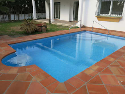 classic Pool by Rudeco Construcciones