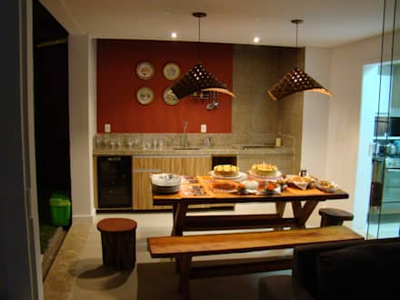 rustic Kitchen by Tupinanquim Arquitetura Brasilis