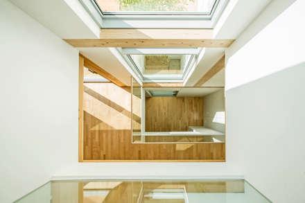 modern Corridor, hallway & stairs by min workshop
