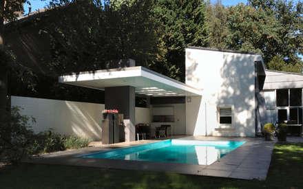 Woonhuis TIVE Rosmalen : modern Zwembad door 2architecten