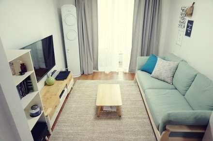 22평 좁은집 신혼집 홈스타일링 : homelatte의  거실