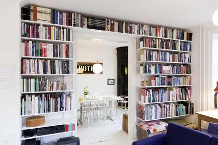 Für Leseratten: skandinavische Wohnzimmer von Elfa Deutschland GmbH