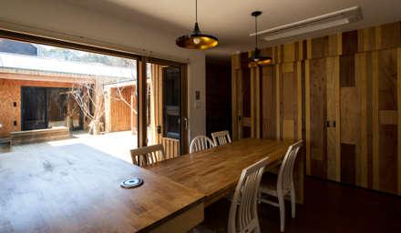대전 하기동 단독주택: 비온후풍경 ㅣ J2H Architects의  다이닝 룸