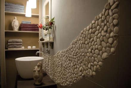 Duschbad Des Ferienzimmers »Stein«: Landhausstil Badezimmer Von Büro Köthe
