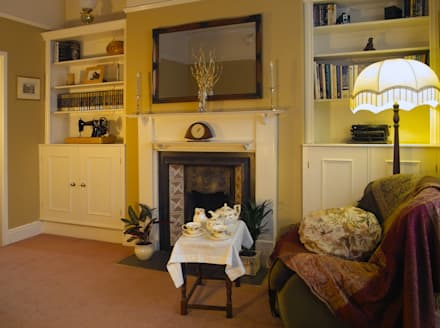 Alcove Storage in Edwardian Sitting Rom: rustic Living room by Style Within