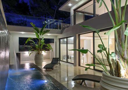 Villa GP: Spa de style de style Moderne par frederique Legon Pyra architecte