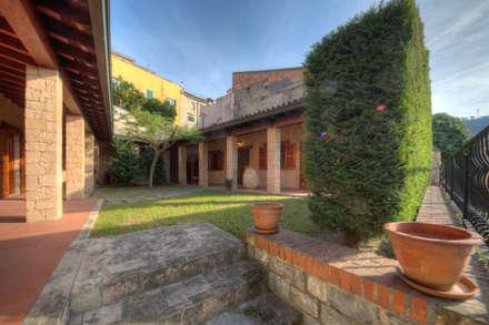 Case in stile rustico idee ispirazioni homify for Case in stile villa italiana