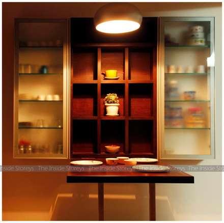 Cucina in stile in stile Asiatico di The Inside Storeys