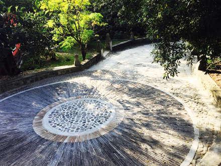 Jardín Nepantla: Jardines de estilo moderno por Paisaje Radical