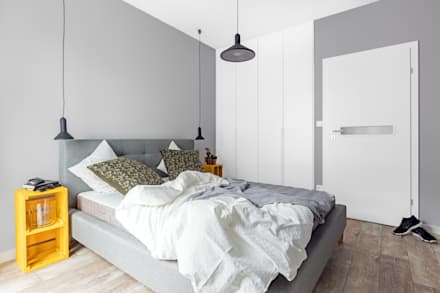 elektryzujące wnętrze: styl , w kategorii Sypialnia zaprojektowany przez Decoroom