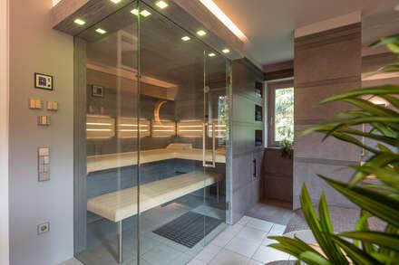 modern Spa by corso sauna manufaktur gmbh