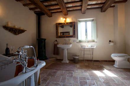 Bagno in stile rustico idee ispirazioni homify - Casa stile rustico ...