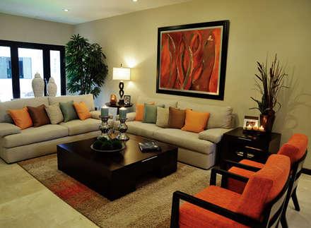 : Salas de estilo clásico por Arkiurbana