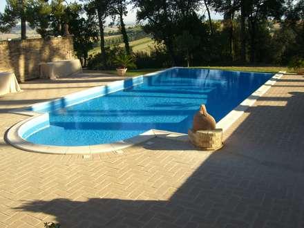 สระว่ายน้ำ by Ing. Vitale Grisostomi Travaglini