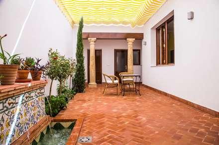 Casa Jaume I: Terrazas de estilo  de R22 ARQUITECTES. Pere Joan Pons