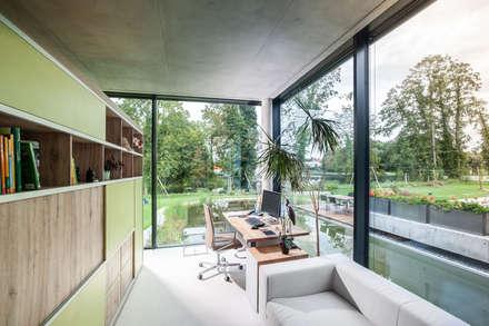 Einfamilienhaus in Brandenburg an der Havel - Arbeitsbereich: moderne Arbeitszimmer von SEHW Architektur GmbH