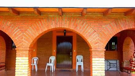 Walls by OMR ARQUITECTURA & DISEÑO DE INTERIORES
