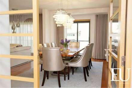 Sala Comum - Zona Jantar: Salas de jantar modernas por EU INTERIORES