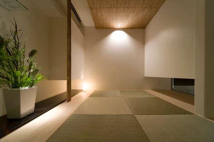 modern Media room by 一級建築士事務所 株式会社KADeL