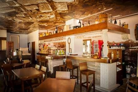 E&P  Arquitectos의  레스토랑