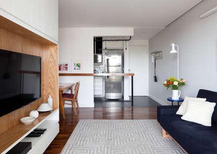 Sala e cozinha: Cozinhas escandinavas por INÁ Arquitetura
