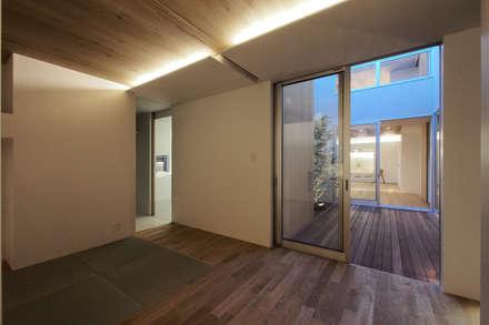大東の家その2: アトリエ スピノザが手掛けた寝室です。