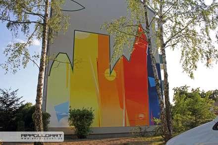 Aus einfarbig wir mehrfarbig:  Bürogebäude von  Wandgestaltung Graffiti Airbrush von Appolloart