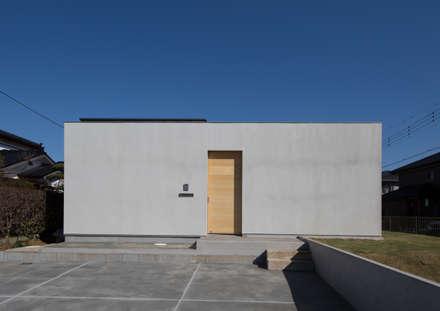 西側外観: アトリエ24一級建築士事務所が手掛けた家です。
