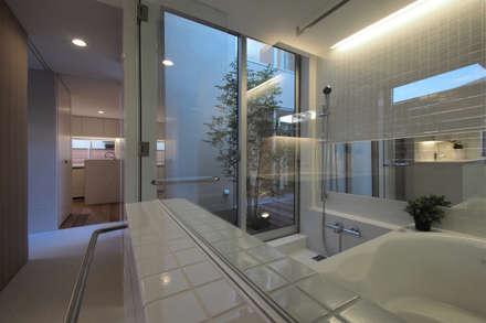 大東の家その3: アトリエ スピノザが手掛けた浴室です。
