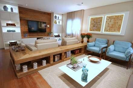 Campo Belo: Salas de estar modernas por MeyerCortez arquitetura & design