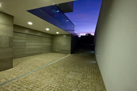 modern Garage/shed by Atelier Lopes da Costa